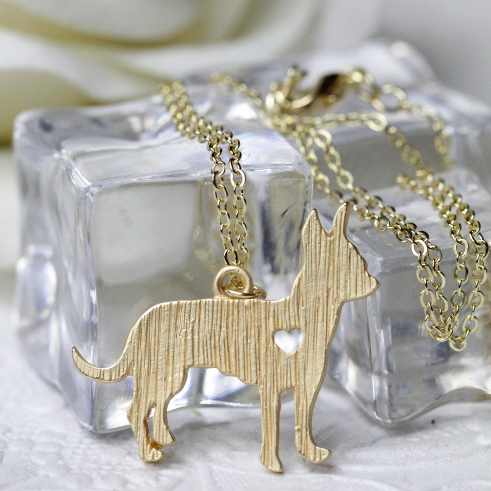 Chihuahua Necklace Pehts